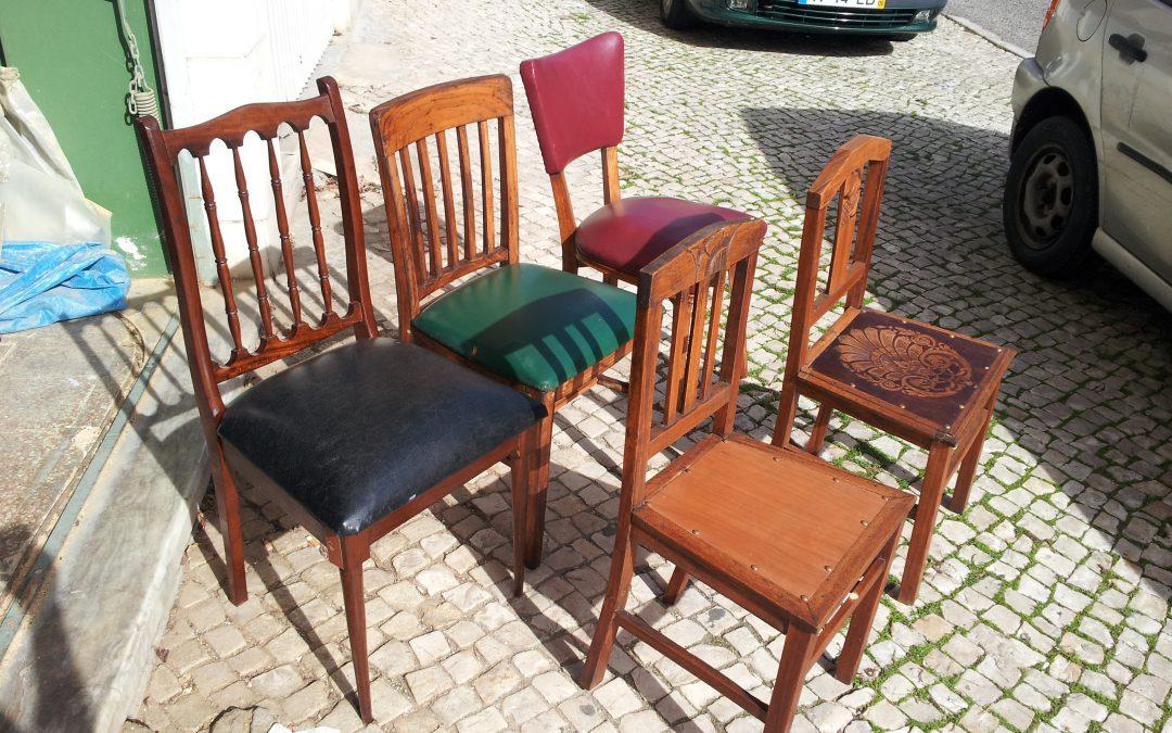 Restauration d'un ensemble de chaises