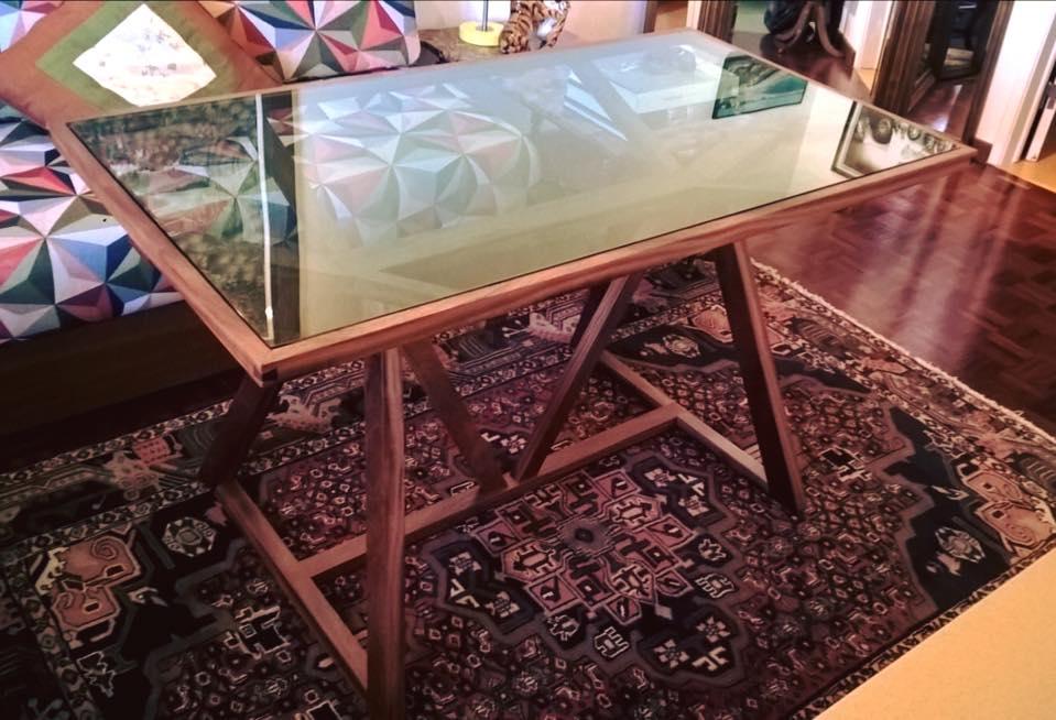 Table basse vitrée en acajou