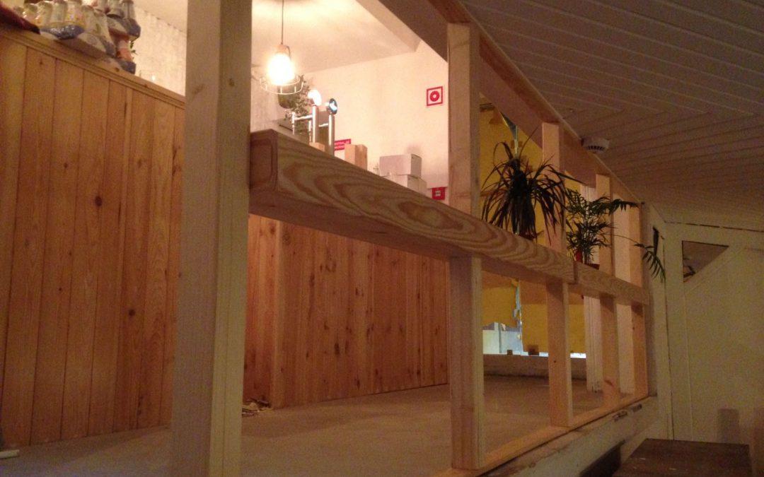 Jardinière et barrière en bois