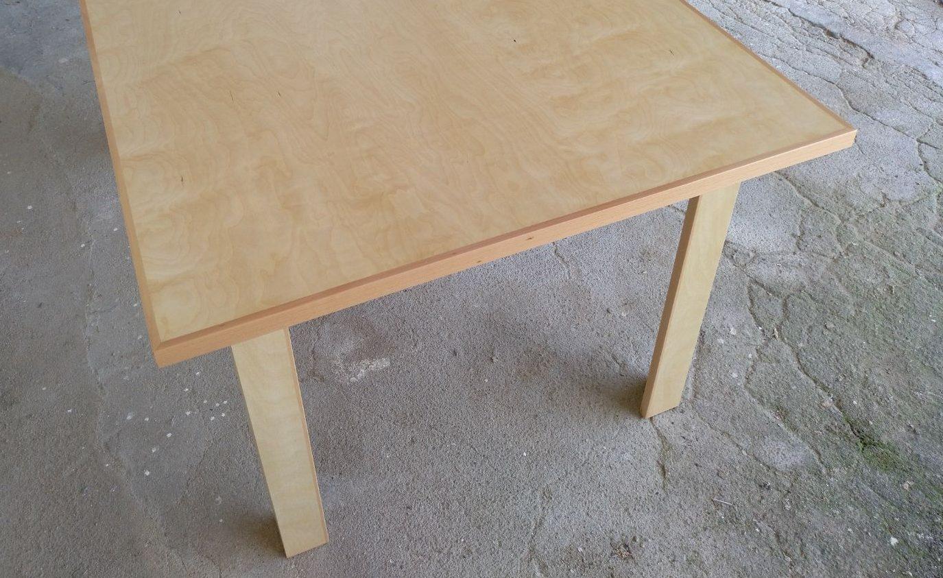 Mesa desenho em bétula, mesa de jantar de bétula - Table design en bouleau, table à manger en bouleau et hêtre massif