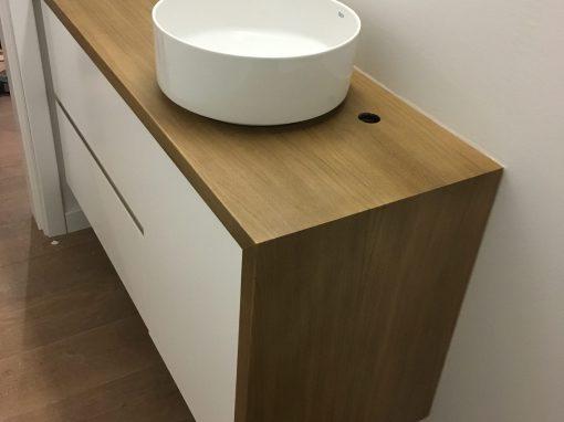 Móvel lavatório carvalho e lacado