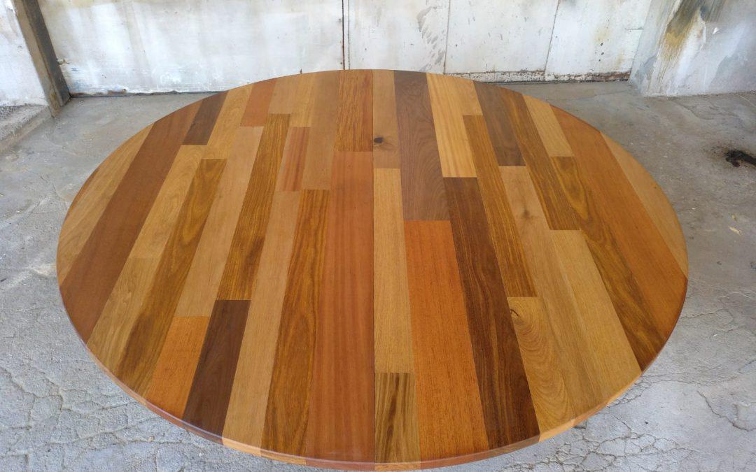 Table ronde en bois massif